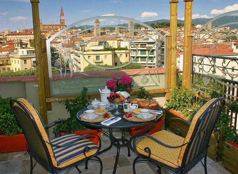colazione-vista-panoramica-toscana