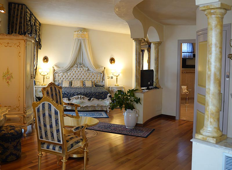 Luxury suite for romantic weekends